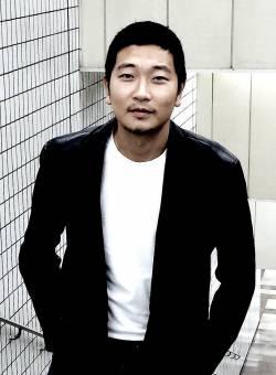 photo  PARK Ya-sung